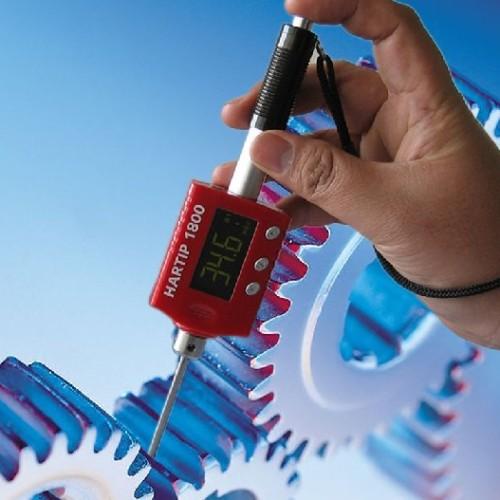 Hardheidsmeter - Inspectietechniek.com - Hartip 1800 digitale hardheidsmeter met smalle sonde